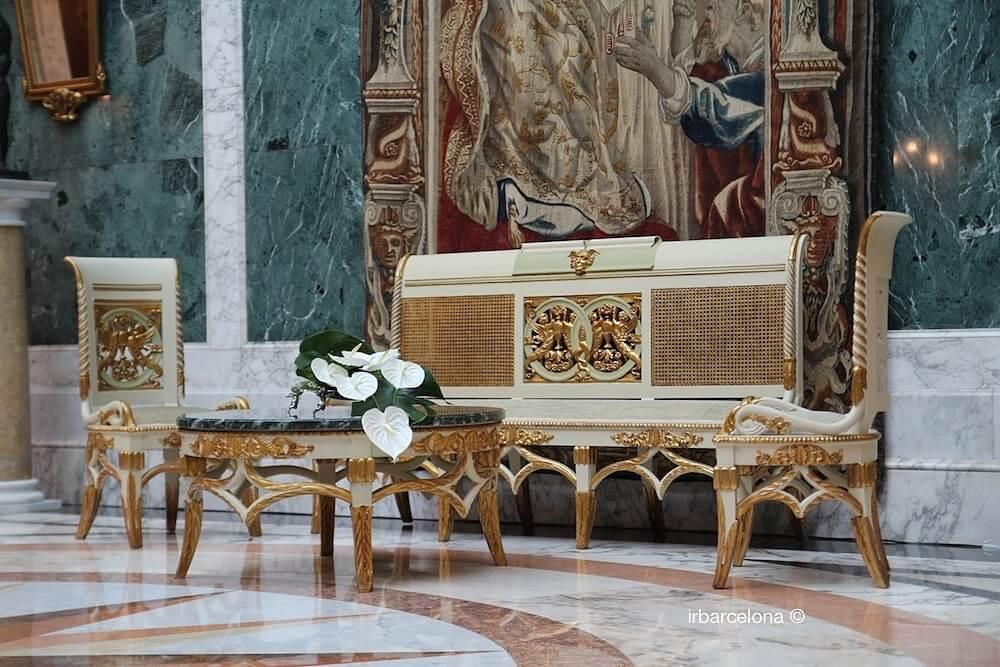 Palauet Albéniz furniture