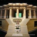 100 columns room model