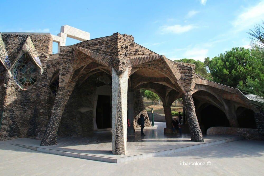 Gaudí Crypt