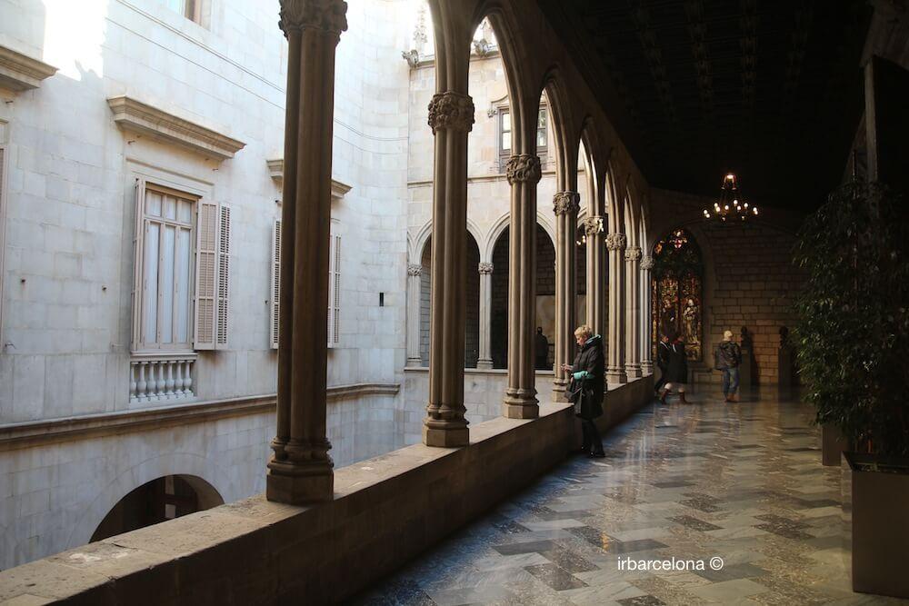 ▷ BARCELONA'S CITY HALLl - Info & Vsit Casa de la Ciutat