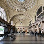 França Station lobby