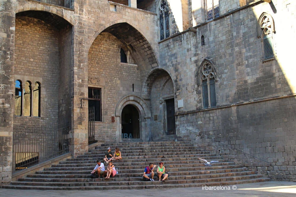 stairs to the Palau Reial Major