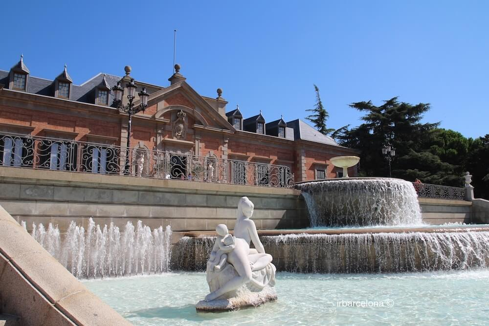 fountain and Palauet Albéniz