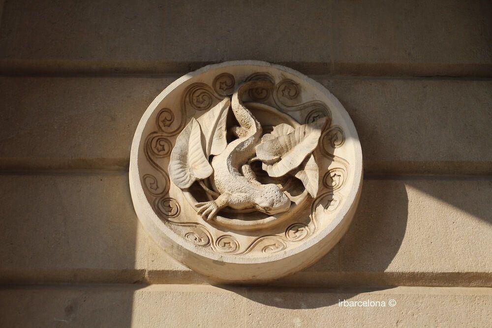 medallion Antoni Gaudí