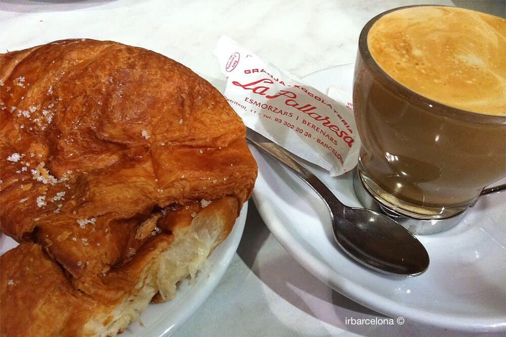 croissant and coffee Granja La Pallaresa