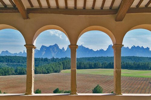 Montserrat, catalan cuisine and wine